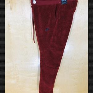 NWT Nike Men's Ruby Red Sherpa Jogger Pants